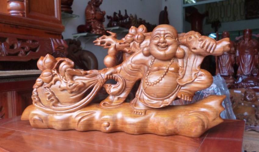 tượng gỗ Phật Di Lặc